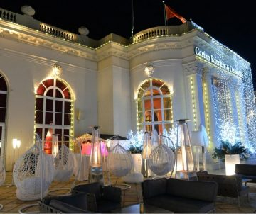 Paranocta sur la terrasse du Bar O2 Sofa Bar Casino Barrière Deauville dec 2017